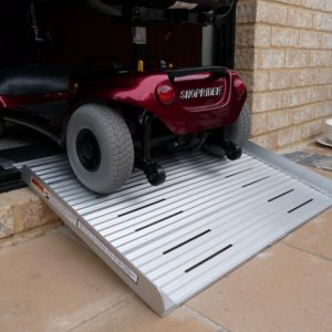 RAMP SOLID 1 PIECE CURB  725 X 900MM