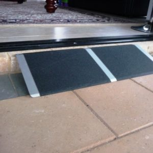 THRESHOLD ACCESS RAMP 810MM X 300MM ALUMINIUM NON SLIP